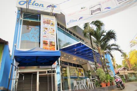 Alon Travelers Lodge - Puerto Princesa - Ξενώνας