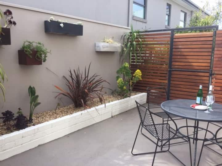 ADELL Executive Apartment, ground floor, Sandy Bay