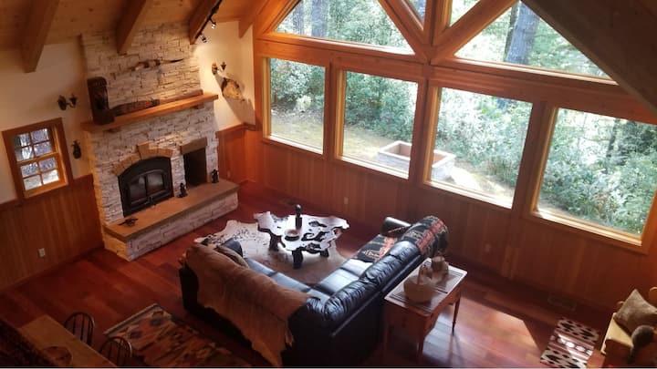Cedar Valley Lodge: Rustic & Serene Forest Retreat