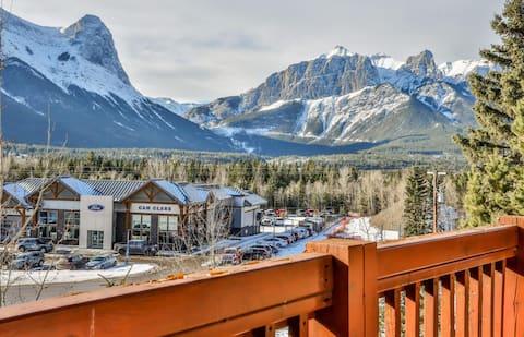 180° Mountain Views at #1 Resort | Hot Tubs 🔥