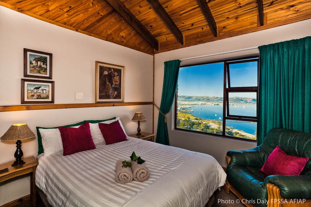 Bedroom with view of Knysna Lagoon