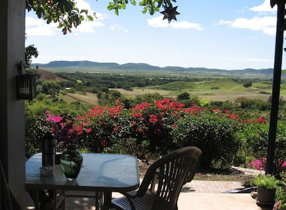 Rural privacy with wonderful views - Lajas - Pousada