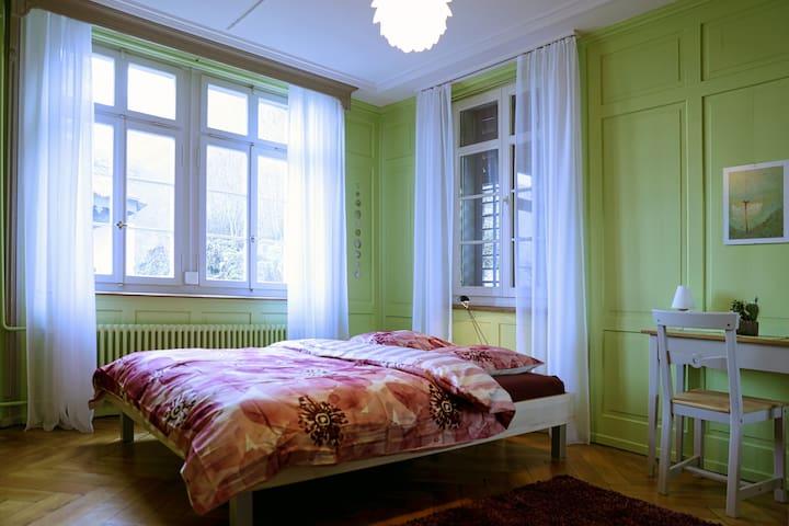 BnB Elsenerhaus Zimmer Frühling