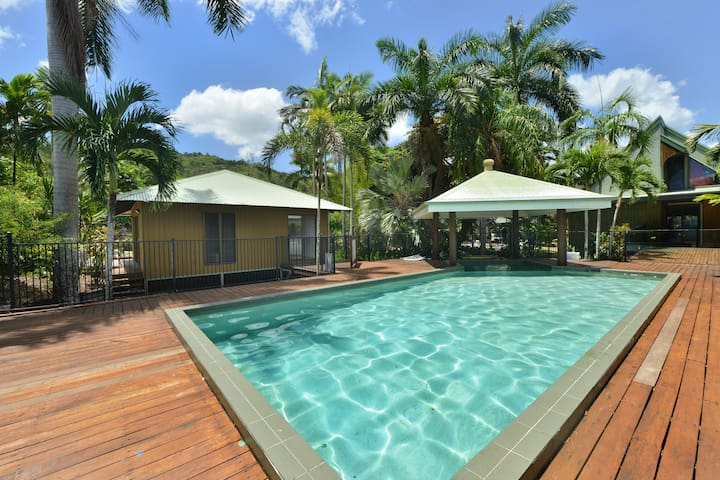 Crazy About Cairns Poolside Studio