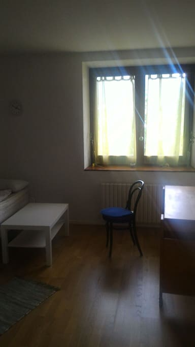 Grande chambre 15 minutes gen ve houses for rent in for Chambre colocation geneve