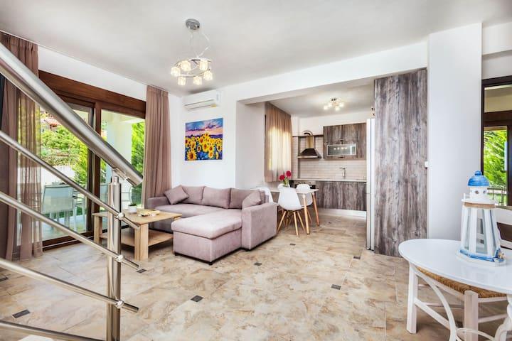 Superior Three Bedroom Villa | Sunset Villas