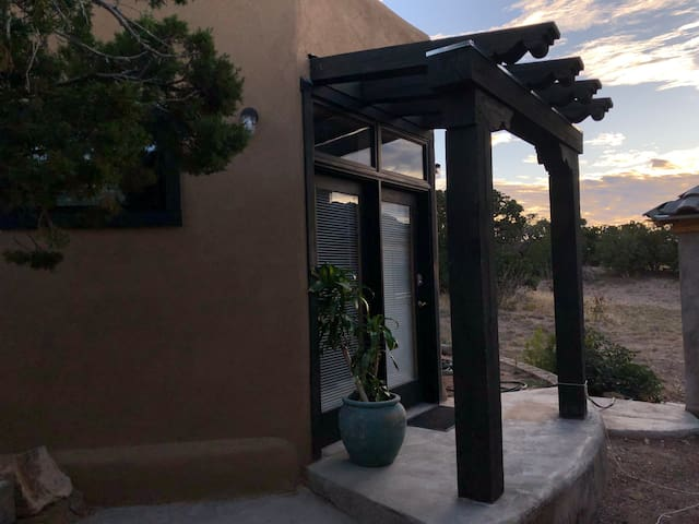 Quiet private Casita in beautiful Santa Fe NM area