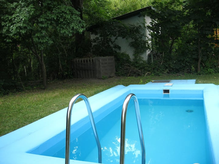 3 bedroom family home with pool