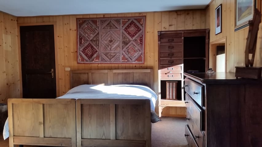 Double bedroom in 17th century house - San Carlo - Maison