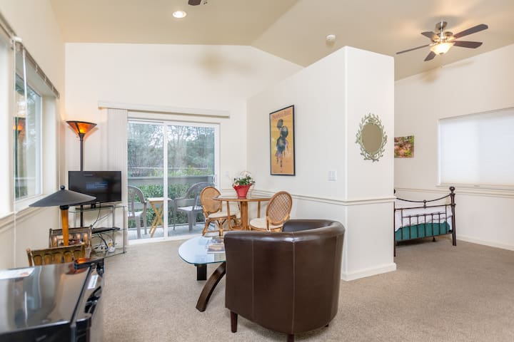 Kelseyville Guest House with Complete Privacy
