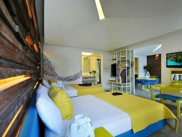 Experience 5-star Hotel in Palawan!