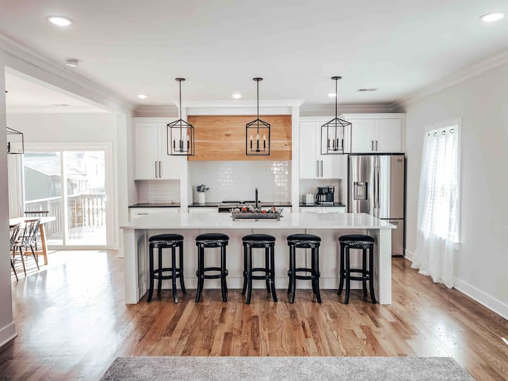 Airy home w/ stylish touches minutes to downtown!