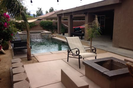 Desert Jewel - Pool/Spa  4 BR, 2 Bath, Plus Den