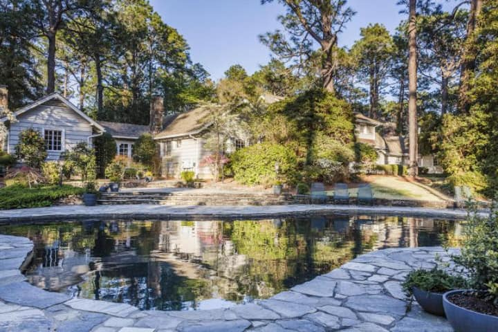 Pinehurst Private Luxury Estate with Pool and Hot Tub - Sleeps 8+