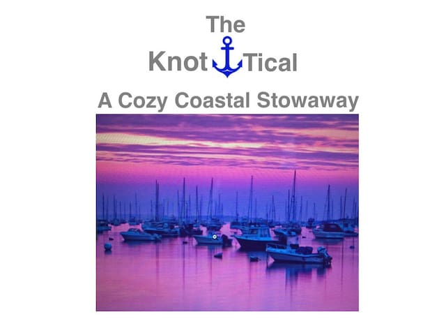 The Knot-tical A Cozy Stowaway - Marblehead