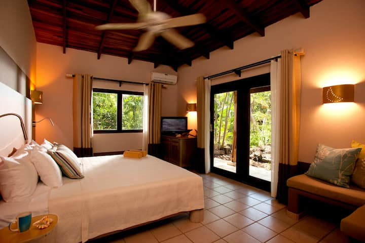 Secluded by Nature Room with breakfast and WIFI-#1