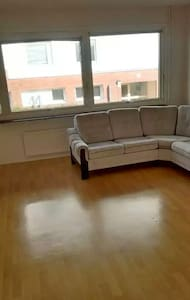 I live in nice apartment 2 rooms - Lysekil