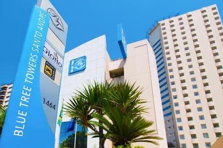Otimo apt ótima localização e c/servico blue tree