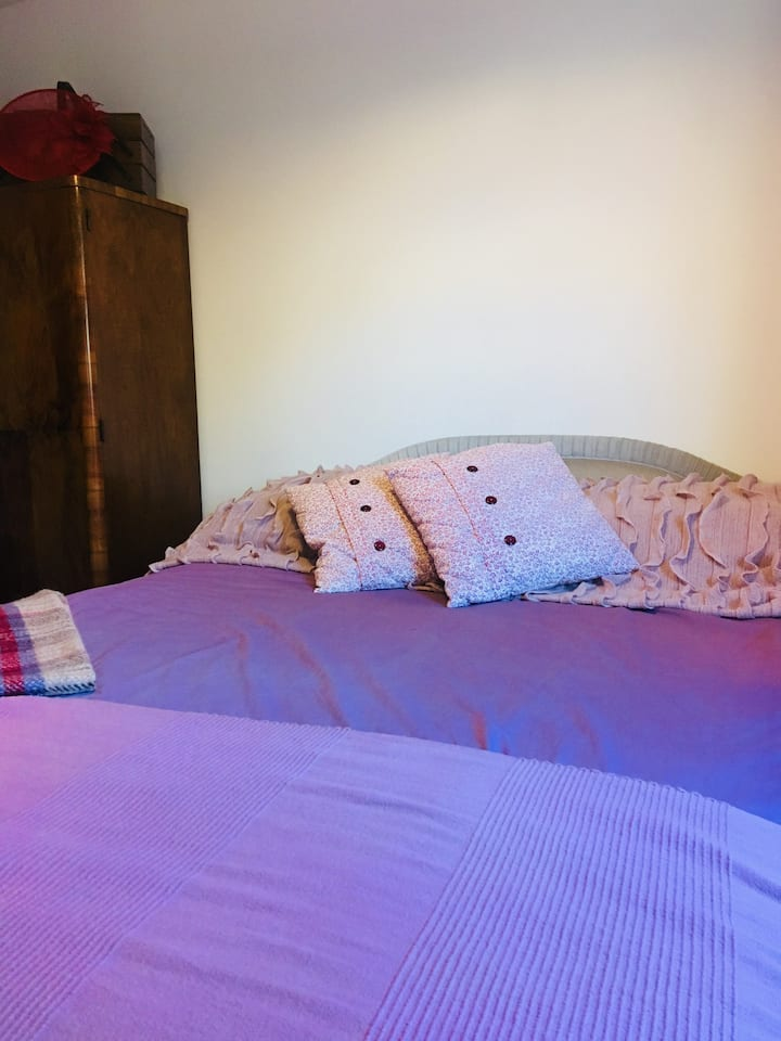 Double bedroom in Templecombe