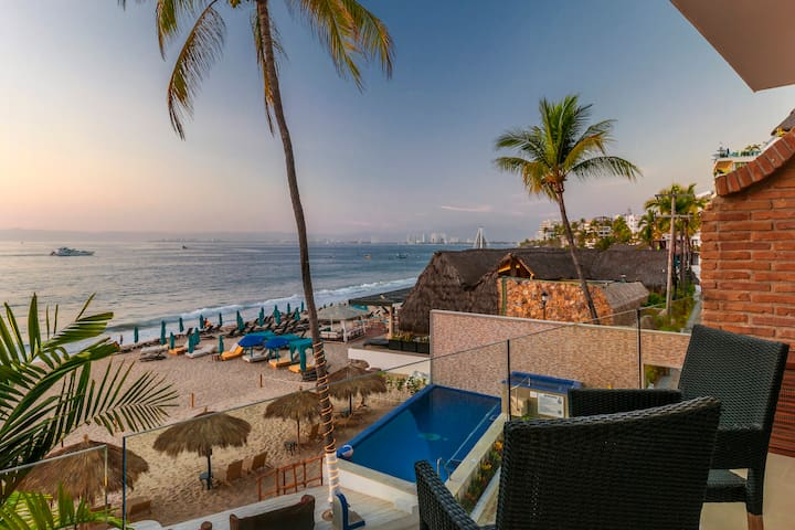 2 BR Vallarta Shores beachfront Suite #7