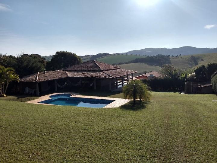 Chácara em Bragança Paulista com linda vista.