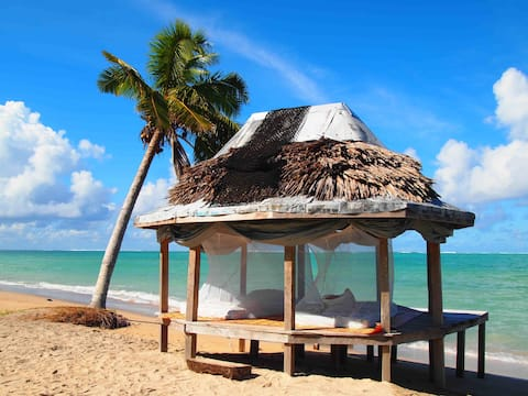 Vaiula Beach Fales Open Fale for to personer.