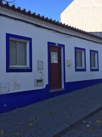 Casa tipica alentejana na vila - Arraiolos - Talo
