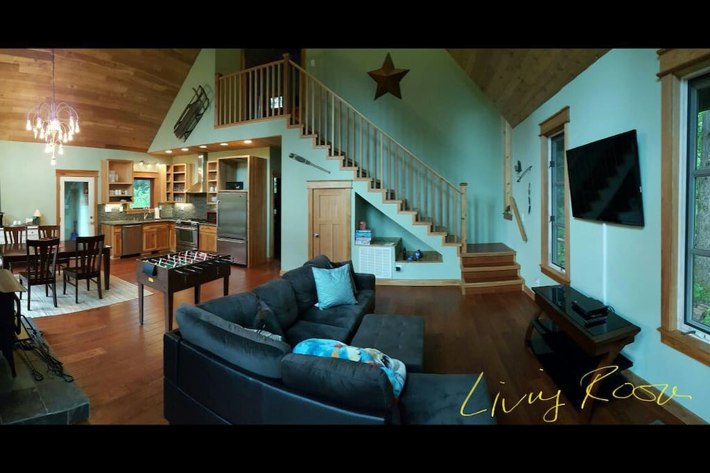 Spacious Living area w/ Dinner and Fully stocked kitchen
