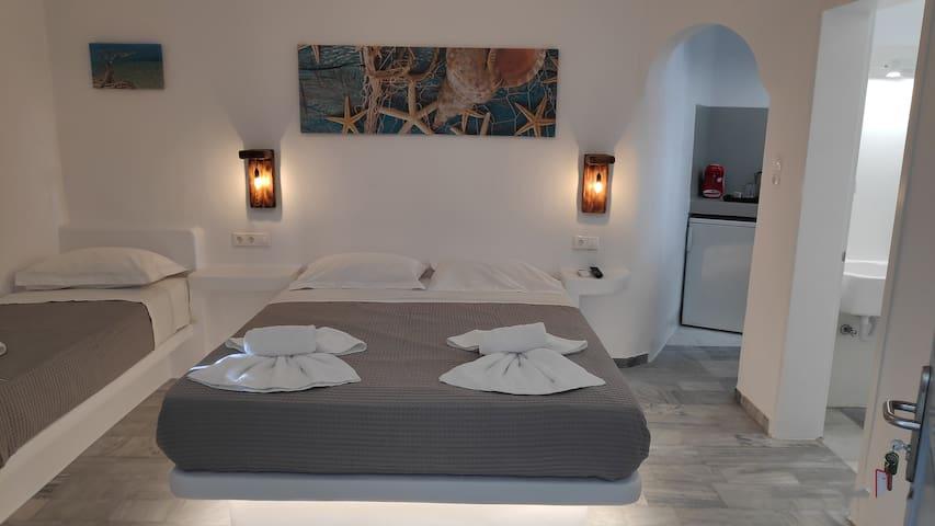 Cycladic Gray Room 2