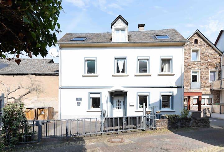Haus Weisse Traube 6 persons Modern