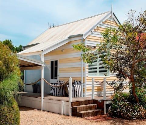 Beach Huts Middleton-Coogee Studio Hut