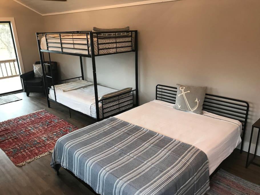 Queen & Twin bunk beds