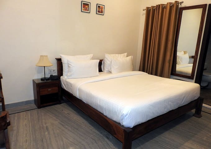 Private AC Room near Ranthambore National Park 2