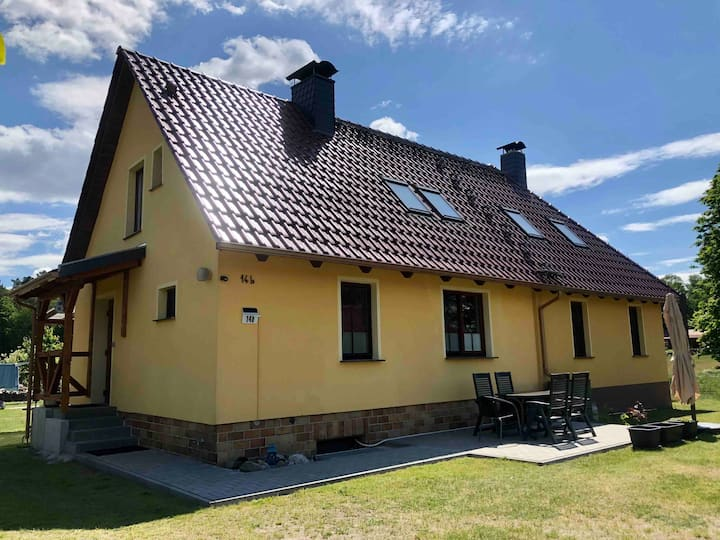 Ferienhaus im Grünen mit Holzofensauna