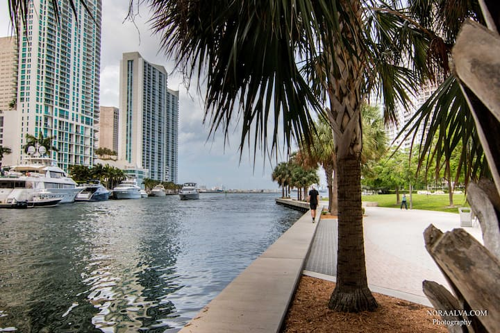 Beautiful View from Walking Area at Icon Brickell !
