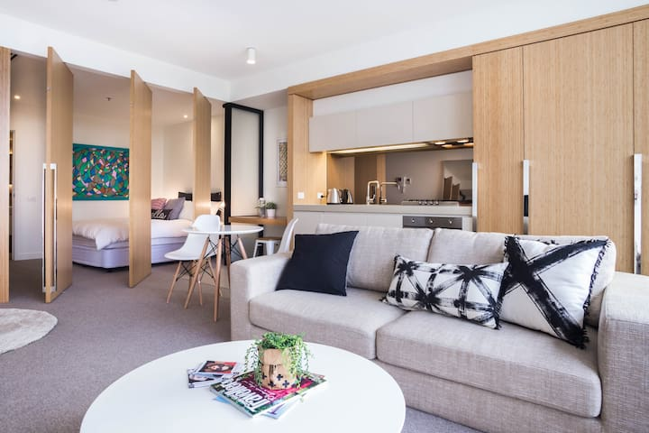 LUXURY SOUTH YARRA + CITY VIEWS - South Yarra - Apartemen
