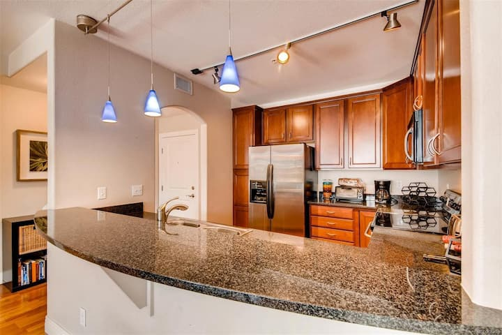 Beautiful condo in the heart of DTC!!
