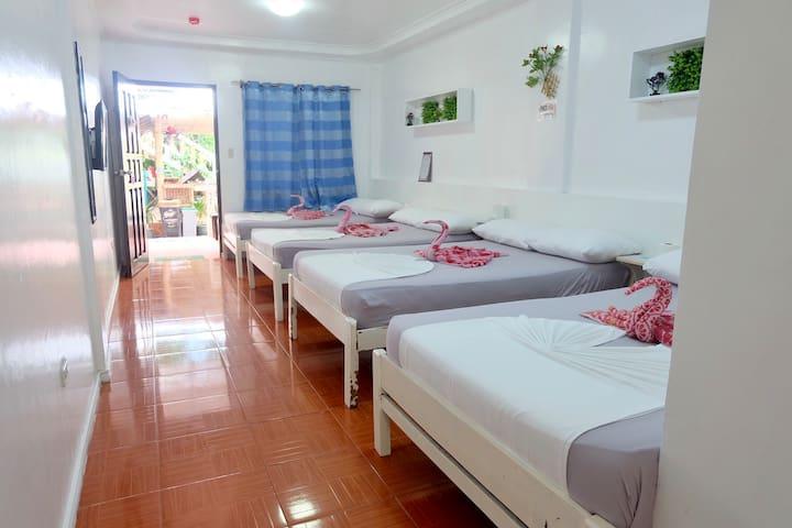 Rob and Fred Resort Boracay (B3FamilyRoom)