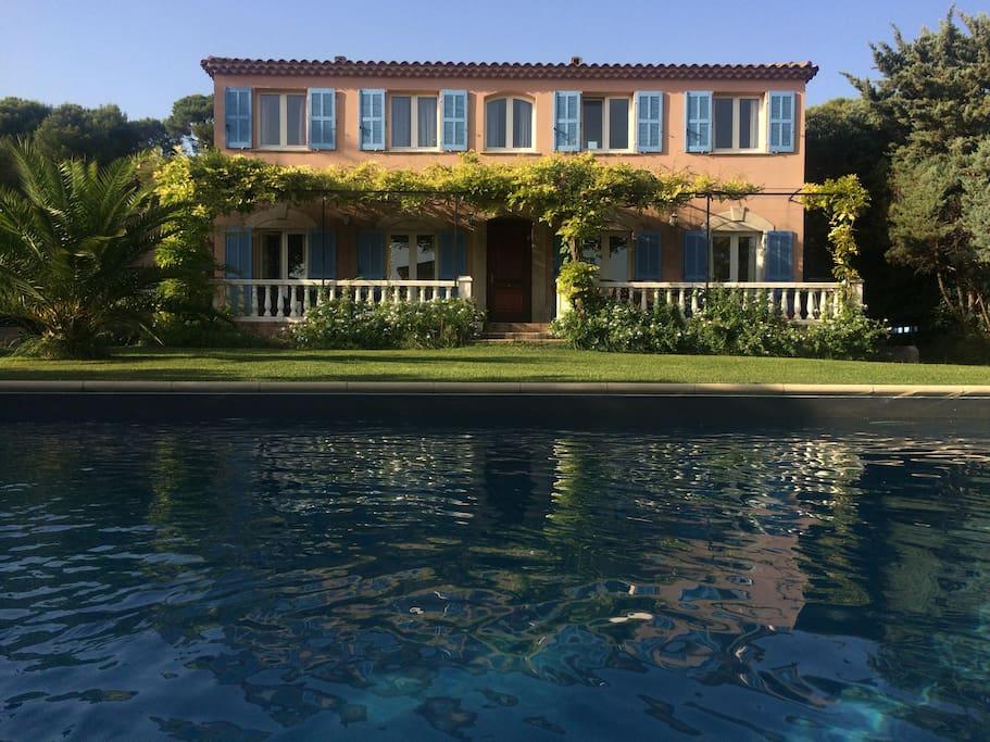 Grande villa pour r union famille maisons louer for Villas de jardin seychelles tripadvisor