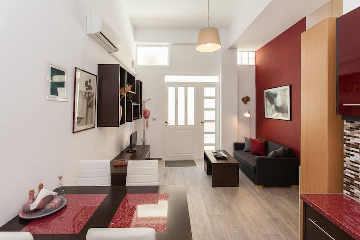 Cute apartment with a small loft 20min from center