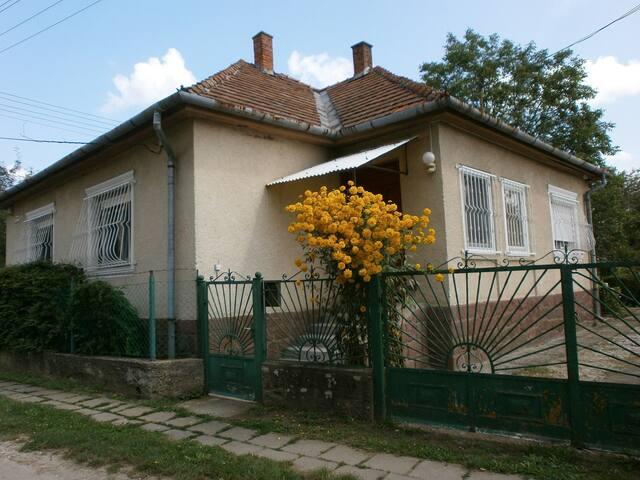 "Ontdek verrassend Hongarije vanuit  ""Bükkaranyos""!"