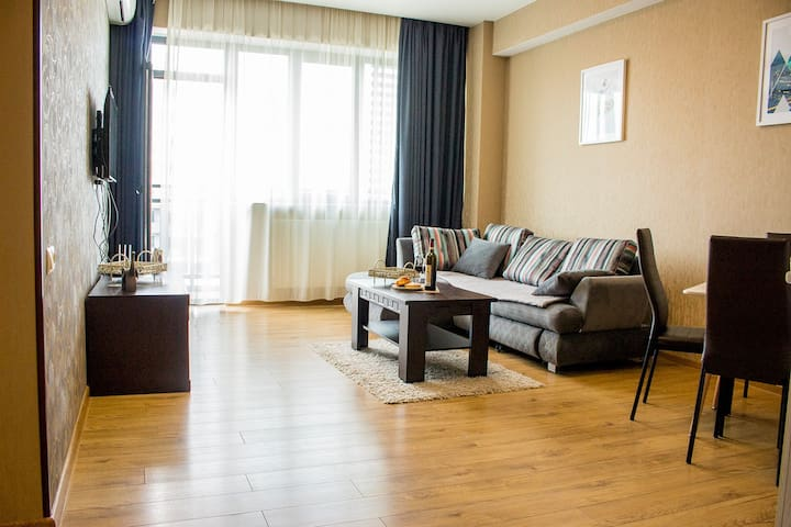 - 30% Off  'Spacious Apartment in city center'