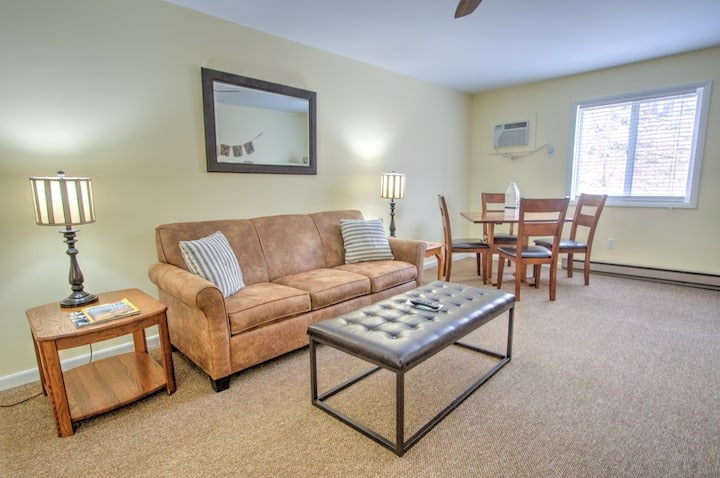 East Shore Lodging - Boutique Motel - King Suite - 1st Floor - Comforts of home and the luxuries of travel - King One-Bedroom Suite, Boat Rentals available.