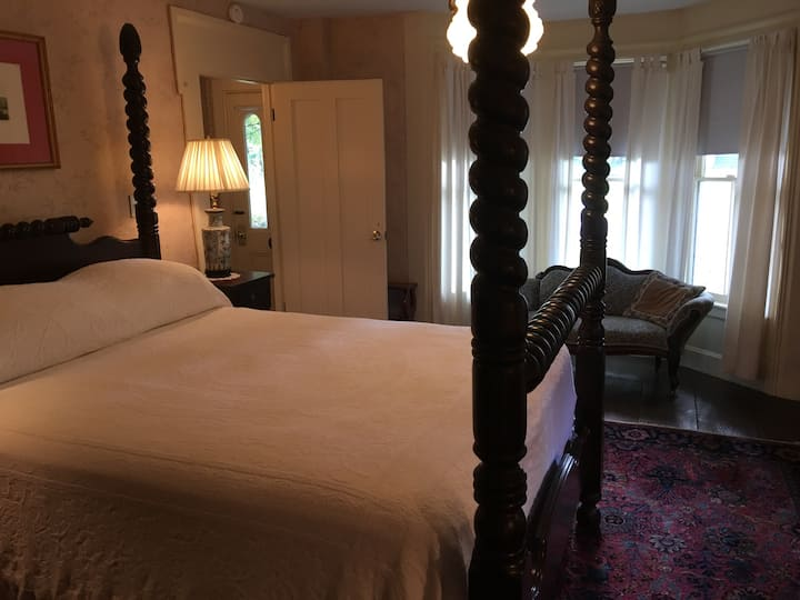 Horned Dorset Art Colony B&B Room 6, Leonardsville