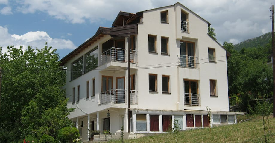 Apartments Taneski - Double Room with breakfast - Ohrid - Bed & Breakfast