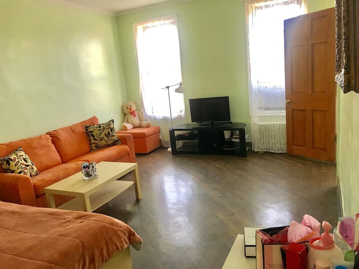 Beautiful big room 10 min from Times Square