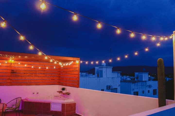 Escape a Teques [Rooftop y Jacuzzi] privado. 🌴