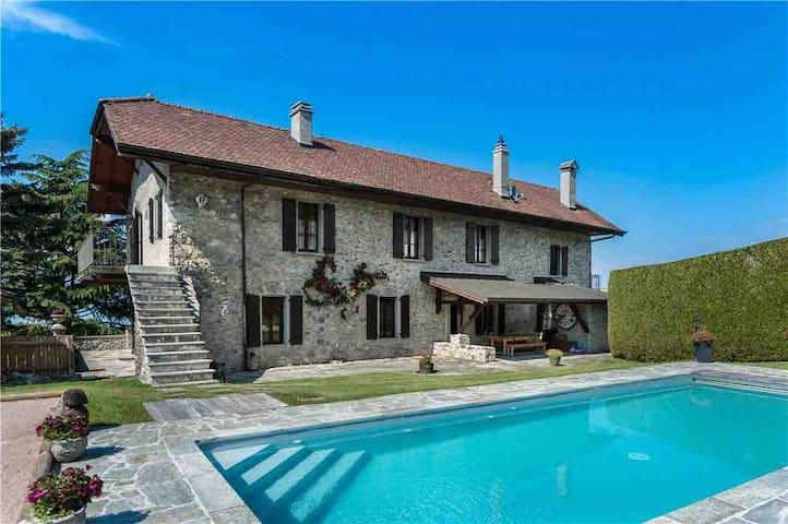 Stone Villa, Pool, Lake View, near to ski slopes.