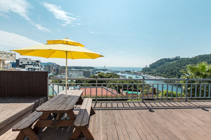 New pension of the ocean view. (바다전망, 독채형) - Seogwi-dong, Seogwipo