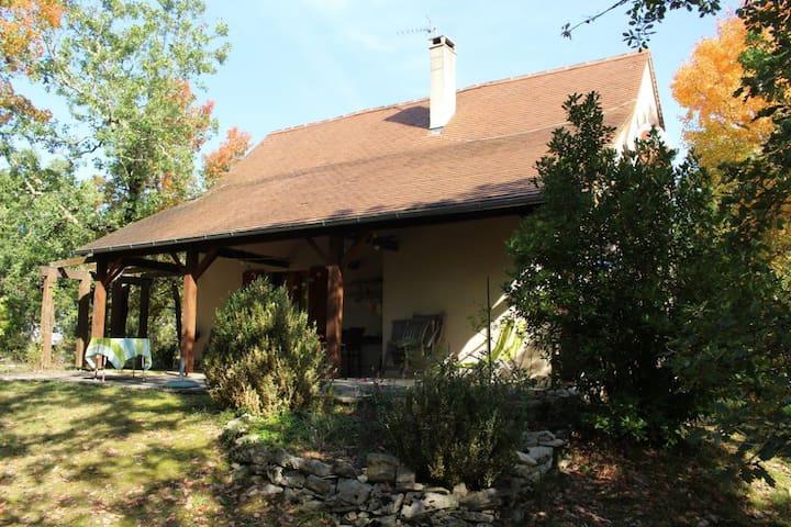 Helles Landhaus mit offener Küche - Maison 18